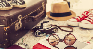 Ready vacation suitcase, holiday concept ©sebra - Fotolia